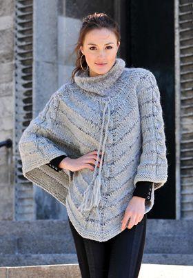 Strikkeopskrifter (danish knitting recipies)- Poncho Foto: Hjertegarn
