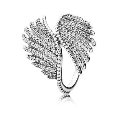 This impressive statement piece showcases the striking beauty of the phoenix, and is this season's jewelry staple. Embellished with 132 hand-set dazzling stones, it is a true representation of PANDORA's commitment to high-quality craftsmanship and will ensure you sparkle at every event. #PANDORAring