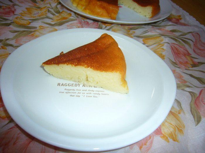 カロリーが一般のチーズケーキの半分以下  ヨーグルトでチーズケーキ風  ダイエットにも最適 フライパンで焼く簡単レシピ