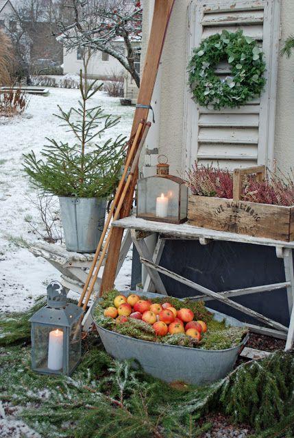 swedish christmas #jul #inspiration #julmys utomhus #dekorationer