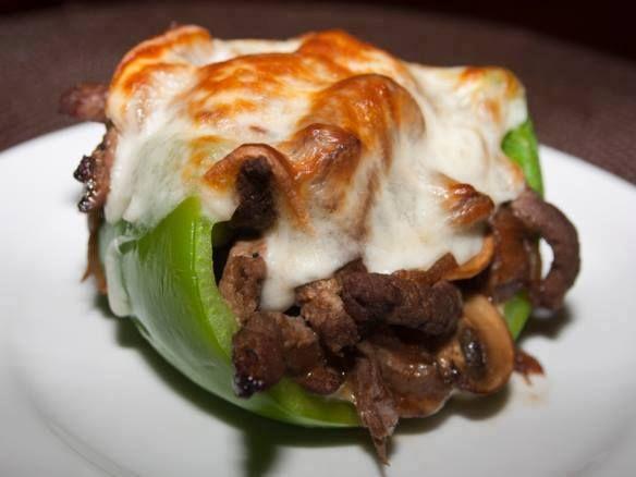 Chile dulce relleno de bisteck y queso....