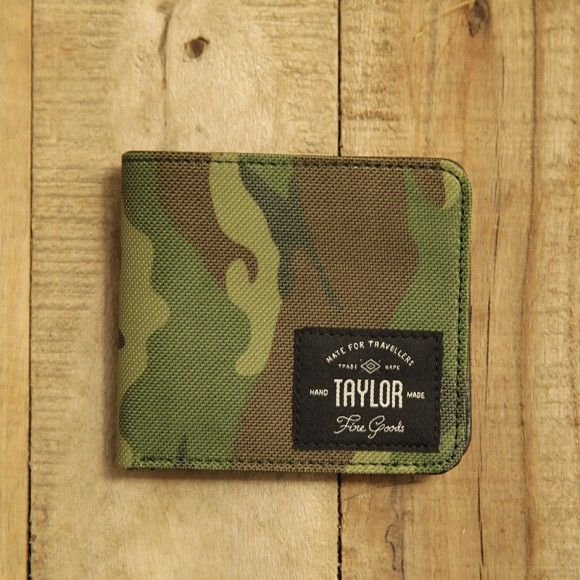 wallet 401 army. $20.83. material: synthetic canvas and leather. size: 11 x 9.5 cm. #wallet #canvaswallet #leatherwallet #unisexwallet #menwallet #army