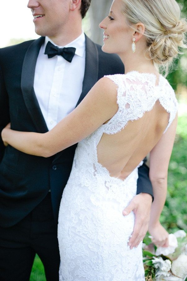 25 keyhole wedding dress ideas for a subtle & sexy bridal look - Wedding Party