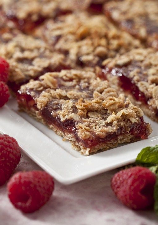 Raspberry Oat Bars « Marlene Koch I made these bars earlier in the week using sugar-free strawberry jam because I didn't have raspberry. The bars were very good and I'm not a baker.