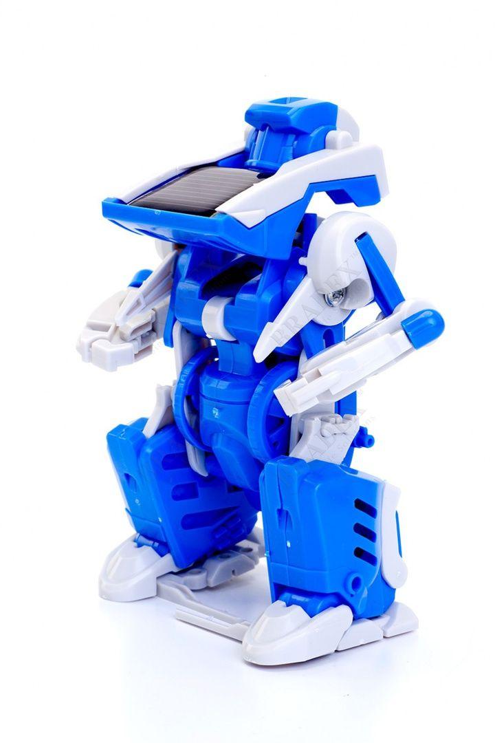 Конструктор на солнечной батарее 3 в 1 «РОБОТ-ТРАНСФОРМЕР» АРТИКУЛ: DE 0176 Дети обожают электронные игрушки — они самостоятельно двигаются, издают звуки и вообще ведут себя, как живые. Но, к сожалению, недолго: обычно батареек хватает всего-то на пару игр. С конструктором 3 в 1 «РОБОТ-ТРАНСФОРМЕР» Вы забудете о необходимости снова и снова менять батарейки! Ведь он работает на солнечной батарее, которая автоматически заряжается от яркого солнечного света или от галогенной лампы.  •…
