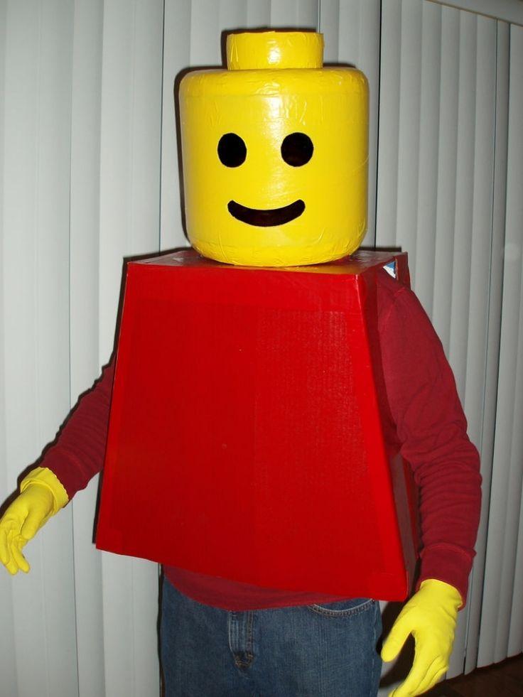 déguisement super héros et costume légo avec tête en sonotube jaune