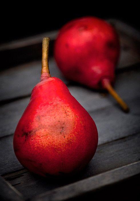 """Red pears """"Klapsa"""" /Hania Pawlowska"""