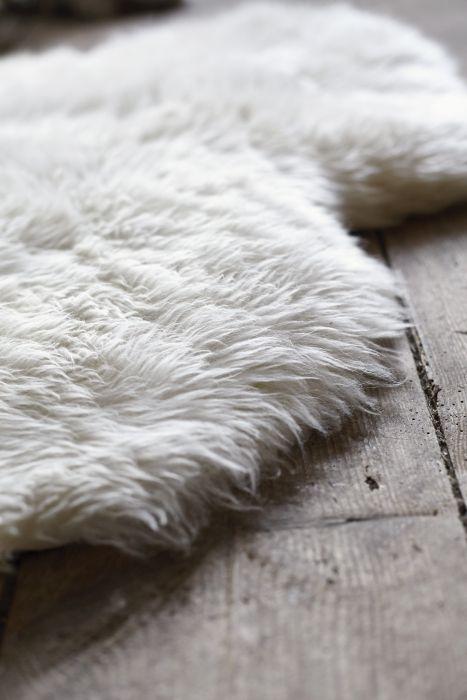 LUDDE schapenvacht | #IKEA #kleed #vacht #wit #interieur