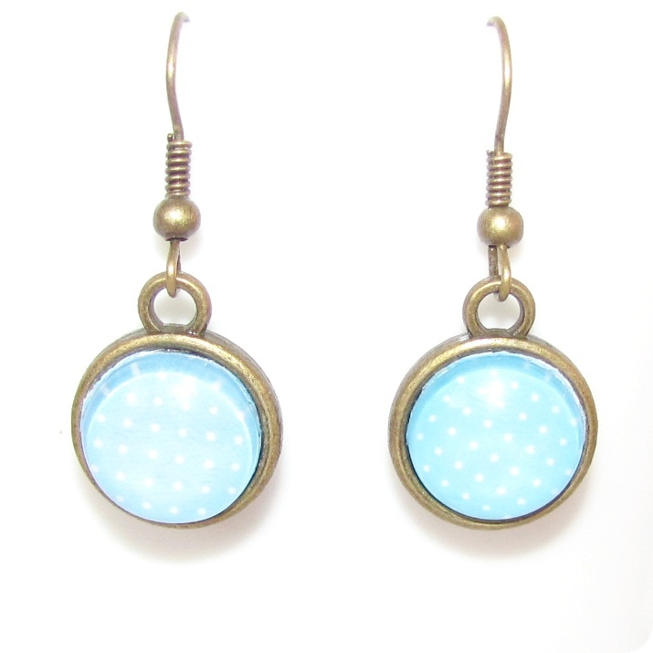 Blue dotted cabochon