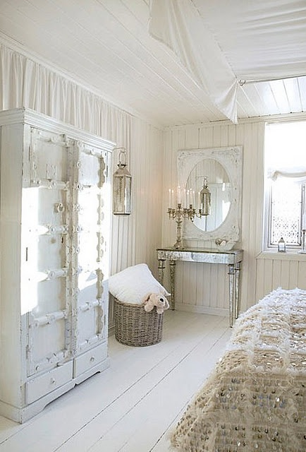 16 best 1930s 40s bedding images on pinterest 1930s for Beautiful lilac bedrooms