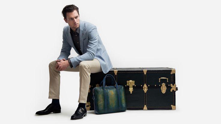 Der perfekte #Reiseanzug. Fuchs Fashion #Travelpackage: #Massanzug mit zweiter Hose und zwei #Masshemden