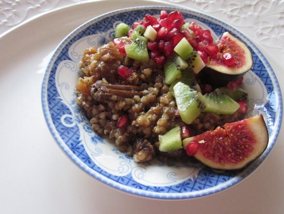 Bokhvete-grøt med krydder og frukt   NOAH - for dyrs rettigheter
