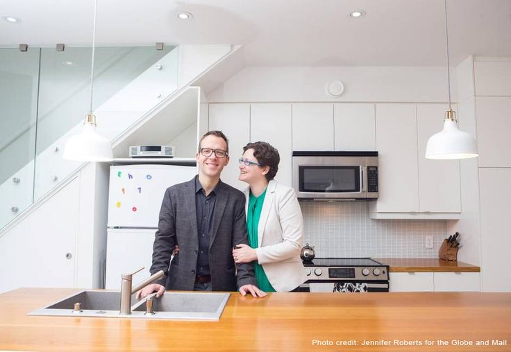 Tom and Christine's Solares house is featured in the Globe and Mail today! It's a fabulous piece on their deep energy retrofit and the process they took to get there. Written by the amazing Dave LeBlanc. More info at www.solares.ca/OurHouse.php?p=Home