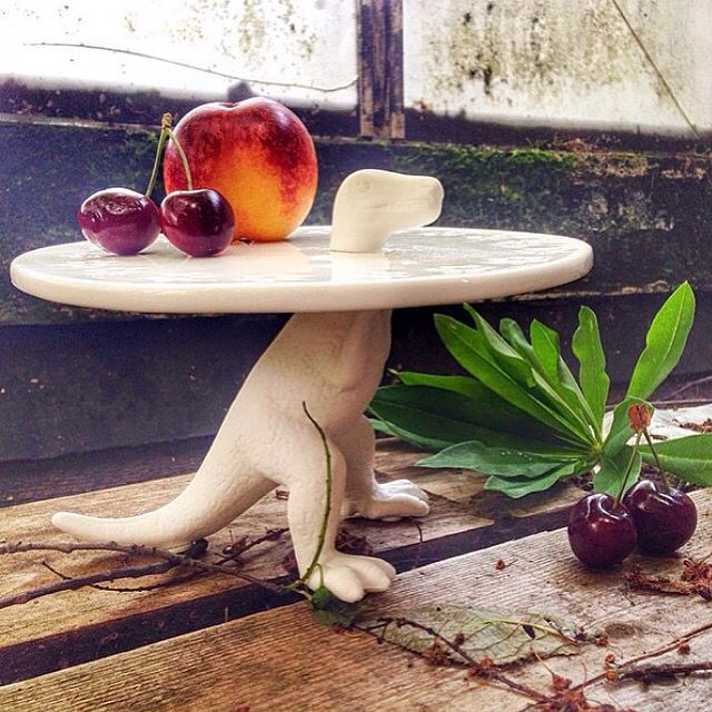 How adorable is the smallest version of the Sauria cake plate? Evidently it works perfectly as a fruit platter too! Exclusively available at Generation.  #definingyourspace #seletti #sauria