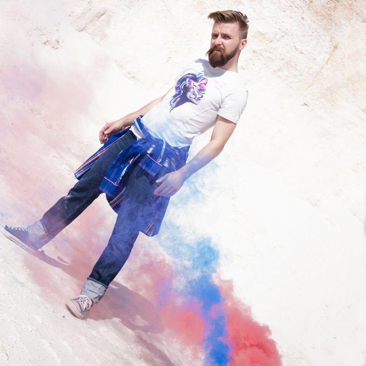 Źródłem każdego działania jest myśl! Motivational t-shirt from Motivation Factory Poland