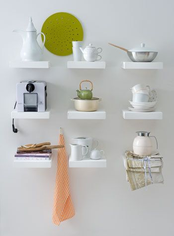 shelves - white - wall decor - planken - wit - interieur - muur - decoratie