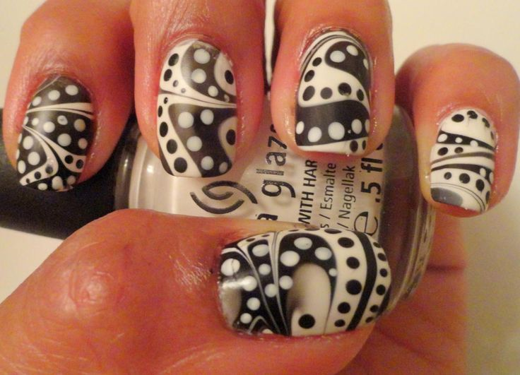 Inspirationail • lovethenails: marble + polka dots neat.: White Color, Black And White, Black Color, Nails Patterns, Black White, Nails Black, Black Marbles, Nails Art Design, Water Marbles Nails