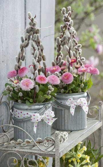 lente | decoratie | bloemschikken | katjes | roze bloemen #lente #decoratie