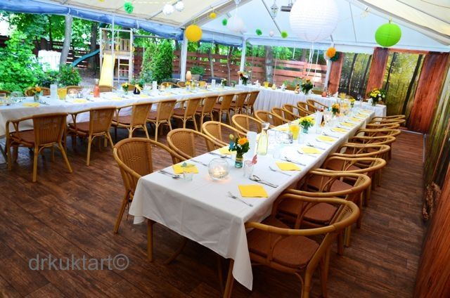 This is how it works when you're your own wedding organizer! Lovely!   http://drkuktart.blog.hu/2014/07/10/egy_kis_hazai_lagzi_cozy_wedding_at_normafa_in_budapest
