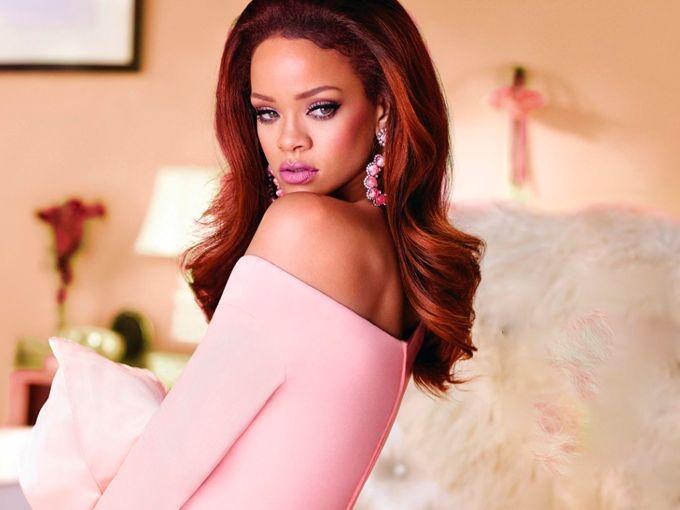 Es una de las mujeres más multifacéticas del mundo del espectáculo, pues además de tener una exitosa carrera musical, Rihanna también maneja su propio imperio comercial.
