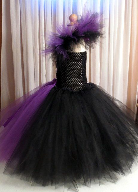 I LOVE this dress! FOR SALE ON ETSY: Maleficent Tutu Dress with Matching Horned by simplyyarn27 on Etsy