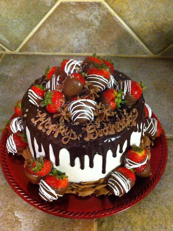 حلوى أمريكية   CakeVideosfromexpert   المكونات:   - 2 قالب كيك كلاسيكى  مُستدير متوسط الحجم.   - 4 أكواب  فروستينج الفانيليا  للحش...