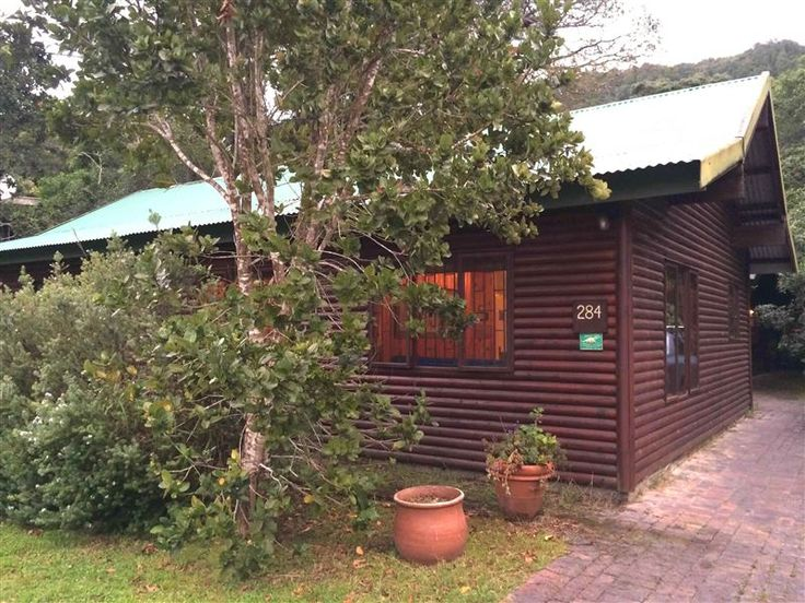 Nature's Valley Cottage - Come stay in the peaceful heart of the Garden Route, in beautiful Nature's Valley. Surrounded by the forest and ocean of the Tsitsikamma National Park, live close to nature in self-catering accommodation ... #weekendgetaways #naturesvalley #southafrica
