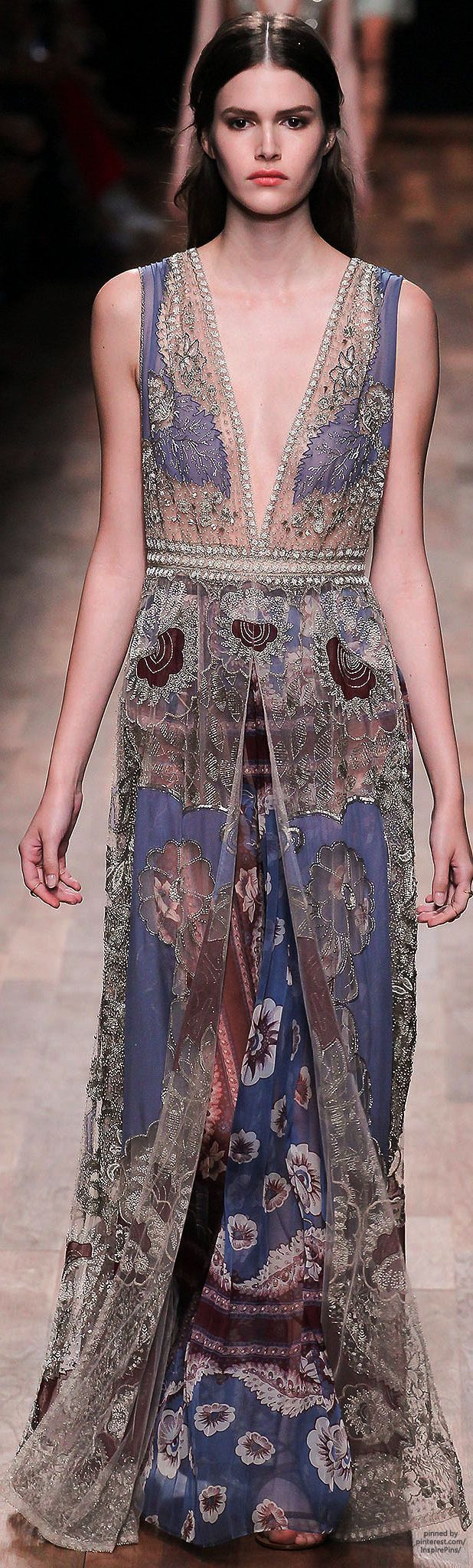 Valentino Spring 2015 Ready-to-Wear, looks like fluid tapestry, just beautiful.