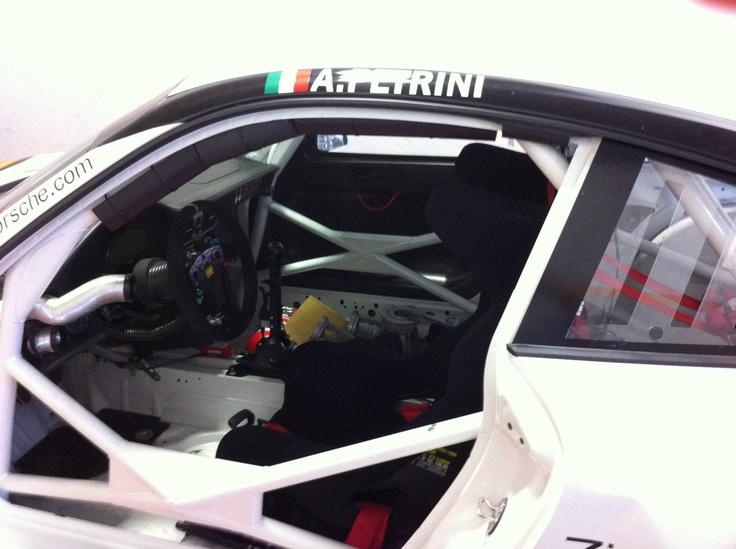 Ringrazio Enrico Fulgenzi del Team Heaven, http://www.heavenmotorsport.com/, che ha scelto con i suoi ingegneri, il nostro banco prova per misurare le loro fantastiche Porsche 997 GT3 Cup.