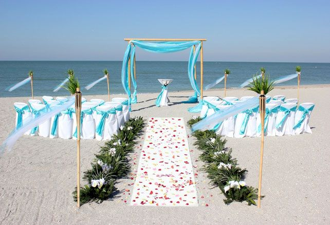 Dear brides to be, surely among you there are plenty which want the wedding to be near the sea. It is really beautiful thing.DIY Beach Wedding Decoration