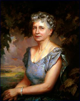 """Strong family ties had always been important around Independence, Missouri, where Elizabeth Virginia Wallace was born on February 13, 1885. Harry Truman always kept his first impression of """"Bess,"""" her – """"golden curls"""" and """"the most beautiful blue eyes."""" They attended the same schools from fifth grade through high school.: American Presidents, Elizabeth Truman, Wallace Truman, Virginia Wallace, Presidents First Ladies, Elizabeth Virginia, White House, United States, Bess Truman"""