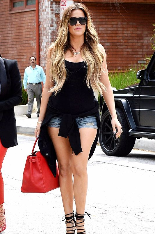 Khloe Kardashian Defends Her Weight Loss After Amy Schumer ...