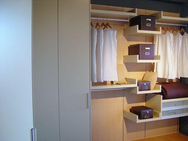 Oltre 20 migliori idee su mensole armadio su pinterest - Cassettiera interna armadio ...