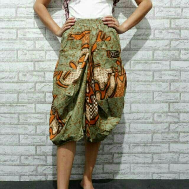 Saya menjual Celana batik seharga Rp150.000. Dapatkan produk ini hanya di Shopee! https://shopee.co.id/nurika.batik/226565647 #ShopeeID