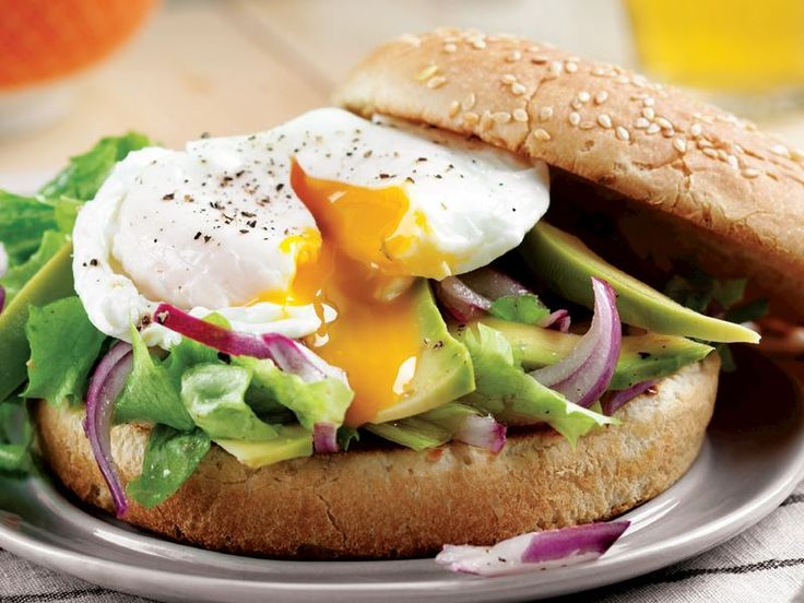 Yumurtalı avokado burger