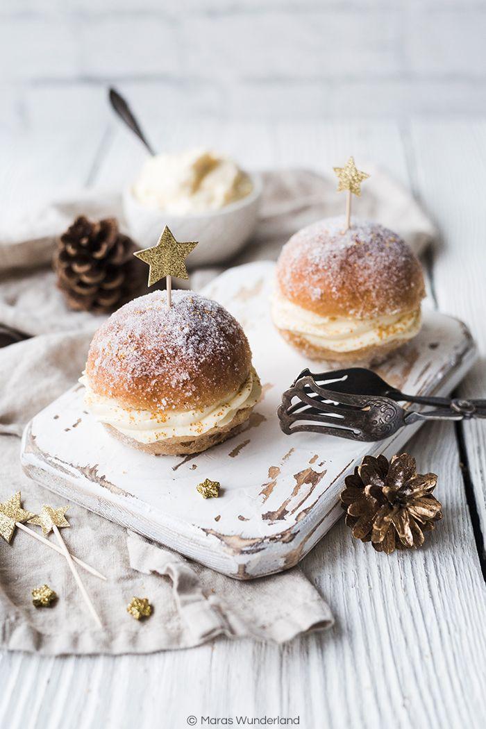 Rezept für Ofen-Berliner mit Champagner-Creme. Aus Hefeteig - ohne frittieren. Perfekt für Silvester oder die nächste Party.