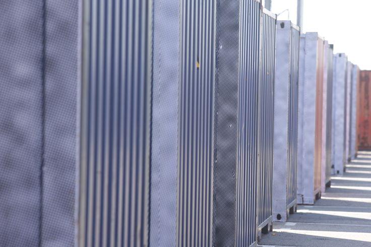 Conteneurs habillés par les collages de JR   - Le Havre - Photo: Philippe Bréard