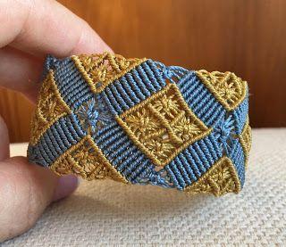 Belén Araia:    Pulsera micro macramé hecha a mano con hilo c-l...