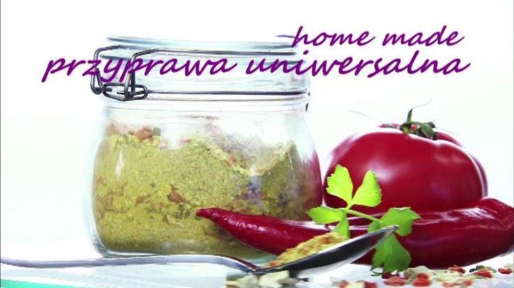 """Można przechowywać ją kilka miesięcy, świetnie nadaje się do zup i sosów. A jak ją zrobić? Przepis na przyprawę uniwersalną podał w """"Dzień Dobry TVN"""" kucharz Piotr Kucharski."""