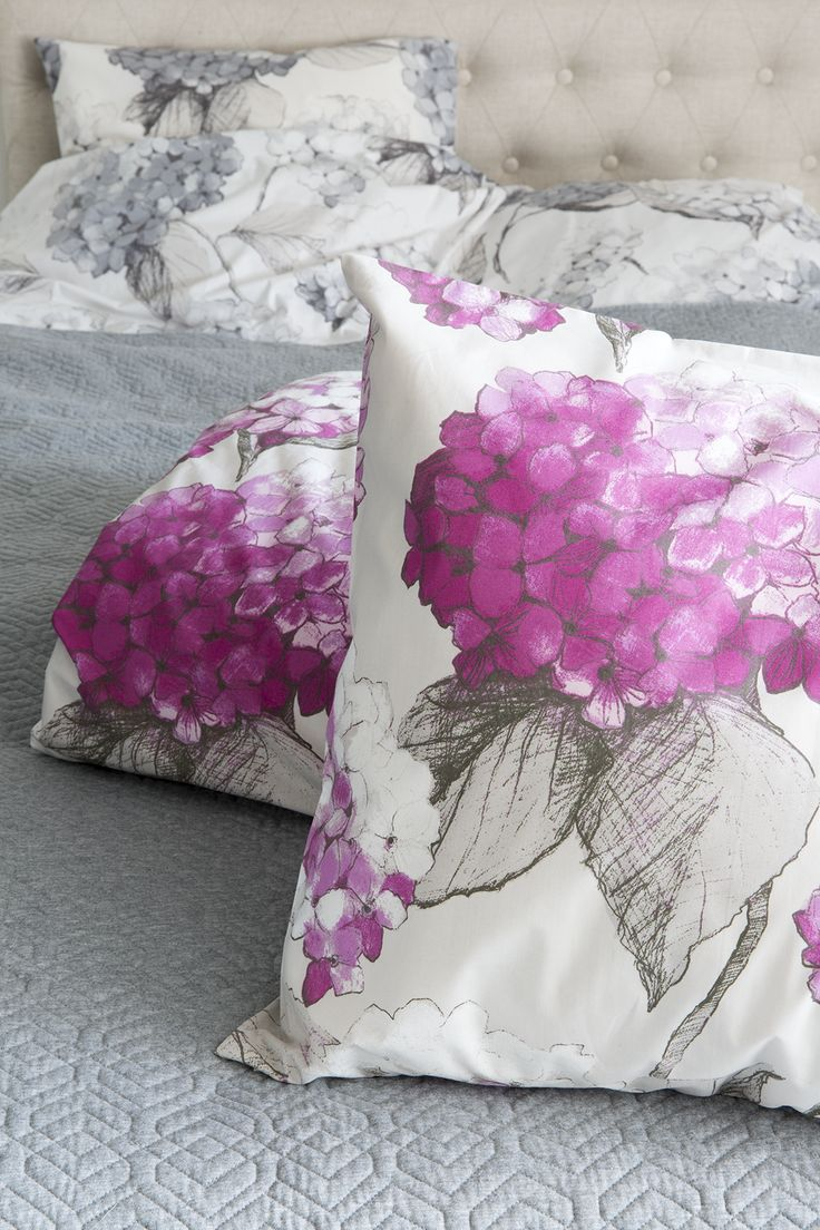 Hortensia Duvet Cover Set | Pentik | Hortensia duvet covers will lull you to sweet dreams. Designer Minna Niskakangas drew the original pattern on plywood with a pencil and pastels.