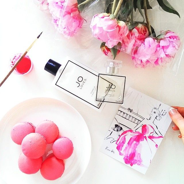 @kerriehessillustration Pinks on my desk today, and beautiful perfumes in the mail all the way from London. Thank you Jo Malone and @jolovesteam