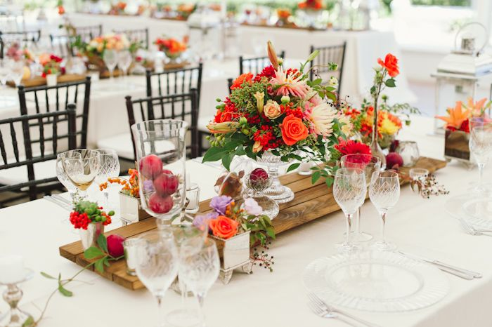 Off White Linen Tablecloth. www.tableclothhiring.co.za