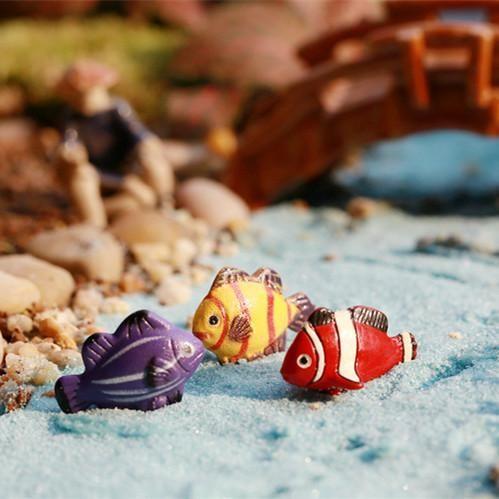 [Visit to Buy] HERMOSO 10 pieces little fish/fairy garden gnome animals/moss terrarium home decor/crafts/bonsai/doll house/miniatures #Advertisement