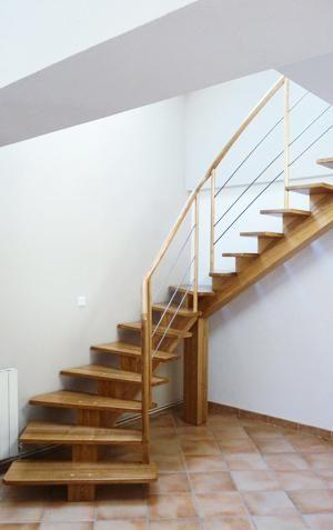 les 25 meilleures id es de la cat gorie escalier tournant sur pinterest garde corps en bois. Black Bedroom Furniture Sets. Home Design Ideas