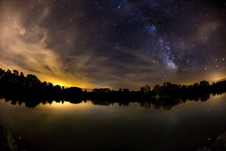 Nuit étoilée sur le lac de Lamontjoie
