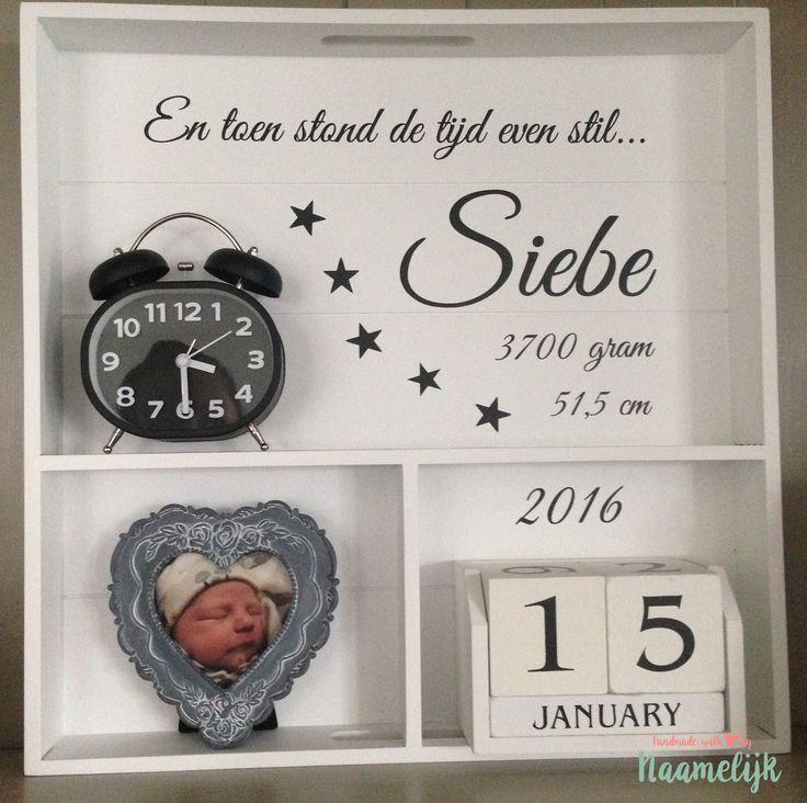 Geboortebord van Siebe, met leuke datumblokken en klokje!
