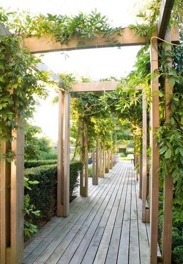 Landelijke tuin; natuurlijke overgang van woning naar weiland