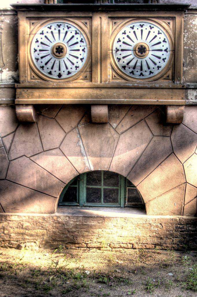 :-o | by extranoise,© Till Krech in Berlin Germany.