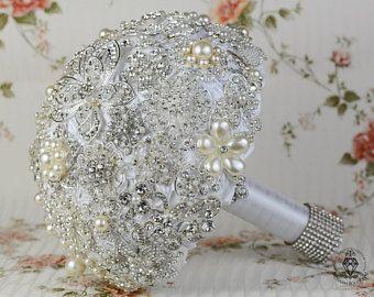 Ramo de novia blanco broche mariposa perlas broche bouquet, ramo de la joyería, ramo de broches, ramo de novia, ramo de cristal plata.