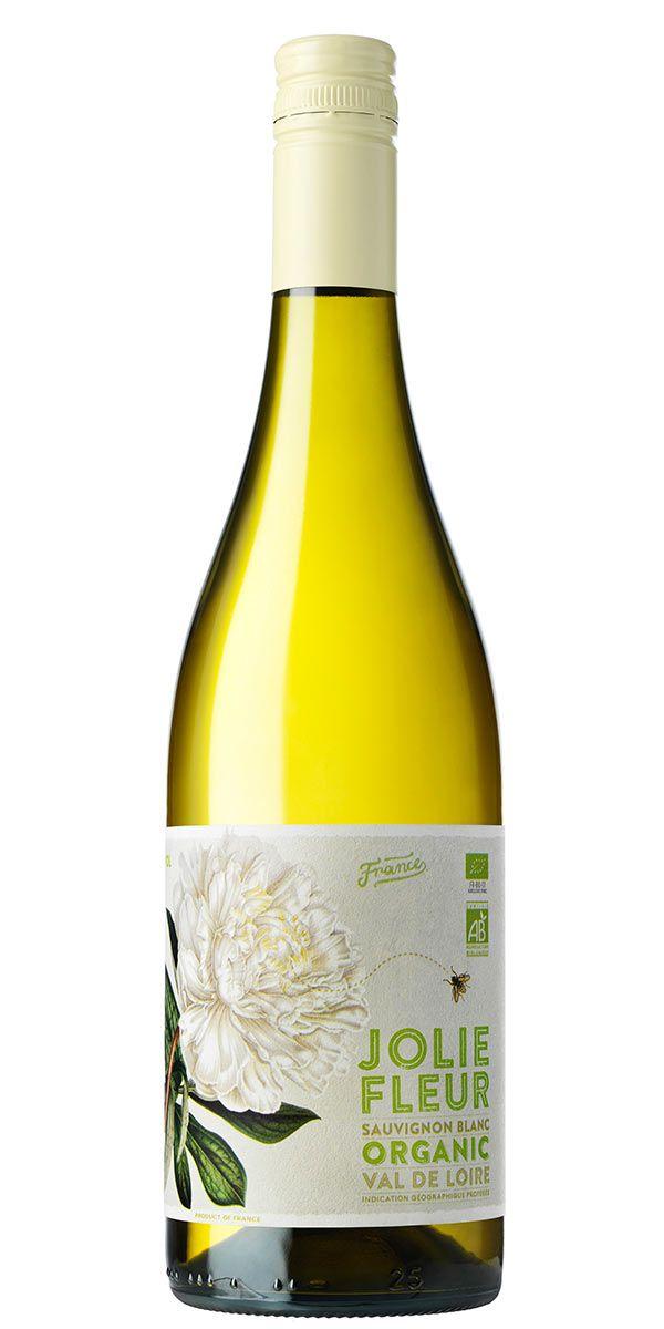 En Sauvignon Blanc med sin tydliga karaktär av krusbär och örtighet, men här finns även en fin syra som balanserar detta vin. Drick på egen hand eller till fisk och skaldjur eller varför inte en fräsch sallad.